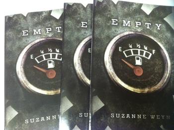 """Empty"" books, by Suzanne Weyn - Literature Circle Set"