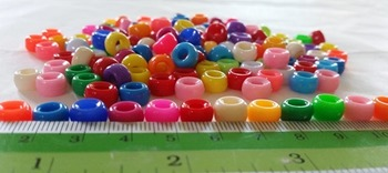 200 MIXED COLOR PLASTIC BEADS FOR KIDS' CRAFT ***FREE SHIP***
