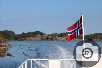 31 - LANDSCAPE - NORWAY - sea and flag [By Just Photos!]