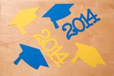 35 Graduation Hats + 35 Matching Year Signs