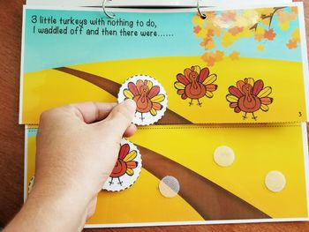 5 Little Turkeys Interactive Song Book