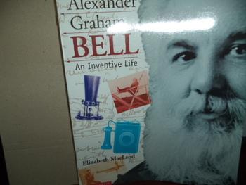 ALEXANDER GRAHAM BELL  ISBN 0-439-13046-8