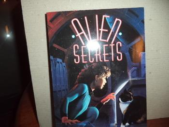 ALIEN SECRETS       ISBN0-440-41061-4