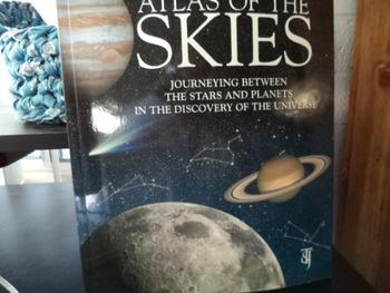 ATLAS OF THE SKIES  ISBN 1-84406-011-X