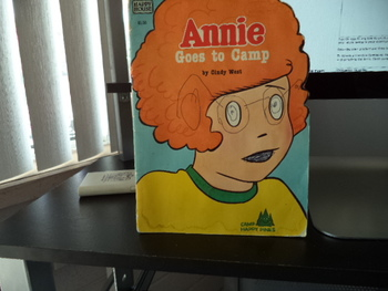 Annie Goes to Camp  ISBN 0-394-85494-2