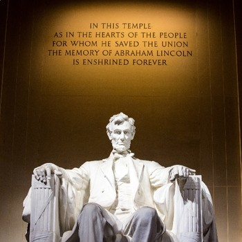 """FREE - Back to School Poster - Classroom Decor 