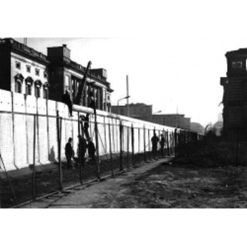 Berlin Wall- Text and Exercise Sheets