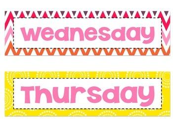 Bright Classroom Decor Days of the Week Signs FREEBIE {Owl Theme}