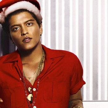 Hip-Hop Christmas - Bruno Mars - Uptown Funk/Rudolf Remix