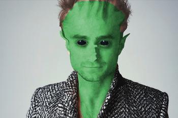 Celebrity Aliens in Photoshop