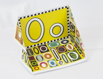 Circle-Line Alphabet Display Case: O