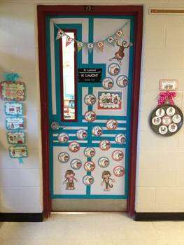 Classroom Door Decor {For The Entire Year}