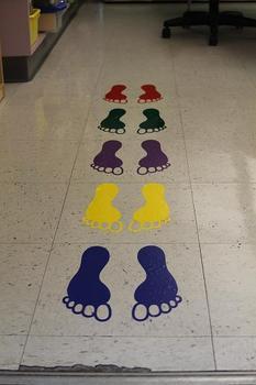 Classroom Visuals Line up feet (set of 5)