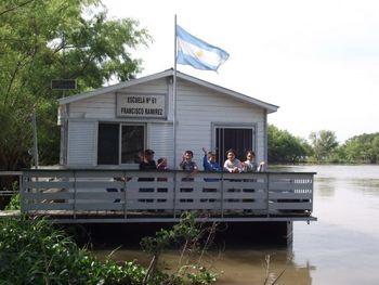 Documental Las escuelas flotantes: AP SPANISH La vida contemporánea