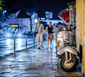 En la Calle - In the Street - Worksheet