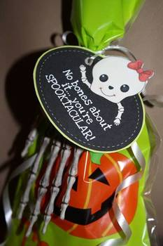 {FREE} Halloween Treat Tag ~ Boy and Girl Version