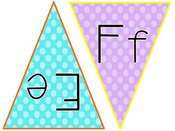 {FREE} Polka Dot ABC Flags in Manuscript