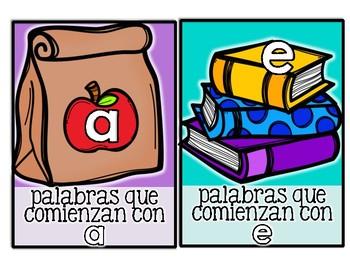 FREEBIE! Literacy Center: Sortea las vocales| En Español