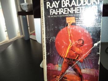 Fahrenheit 451 ISBN 345-22761-1-125