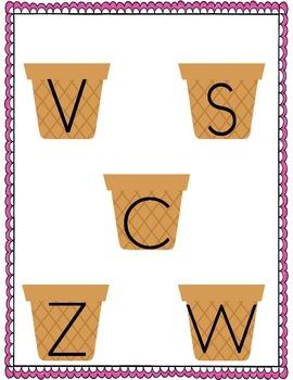 File Folder Game (Same Looking Letters)