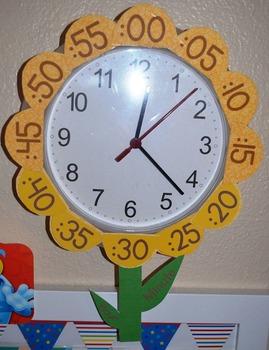 Flower petal clock