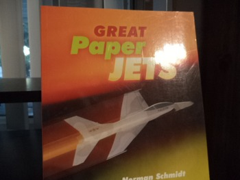 GREAT PAPER JETS      ISBN  0-8069 5886 3