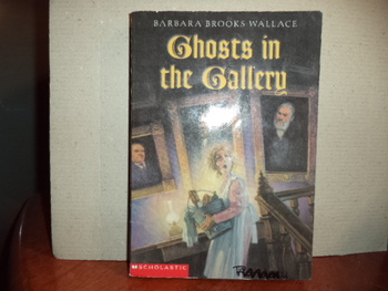 Ghosts in the Gallery  ISBN 0-439-35290-8