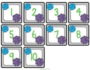 Gray Quatrefoil with Pom Poms Classroom Calendar Pack