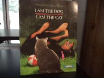 I AM THE DOG I AM THE CAT     ISBN 0-590-95928-X