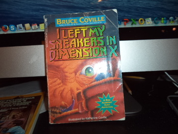 I Left My Sneakers in Dimension X ISBN 0-671-79833-2
