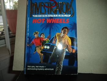 Investigators: Crimebusters #1 Hot Wheels ISBN 0-394-89959-8