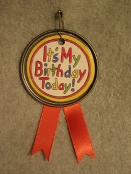Juice Lid Birthday Badge. Fun Craft Art FREE