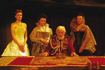 King Lear - Plot Summary as Cloze Test