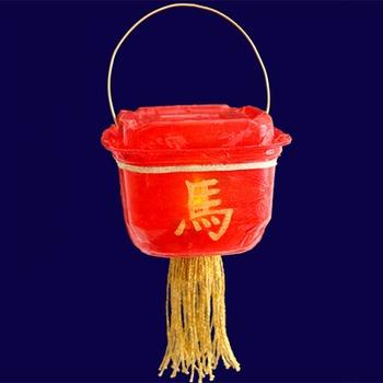 Lanterne chinoise faite avec un contenant
