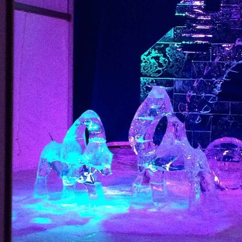 Le Bal De Neige: Les Sculptures de Glace Grade 4 French Culture