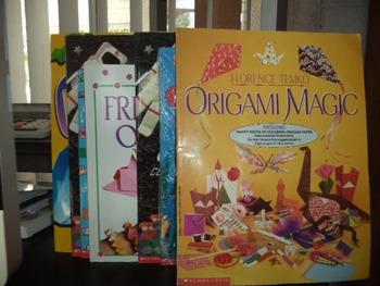 ORIGAMI BOOKS     (SET OF 8)