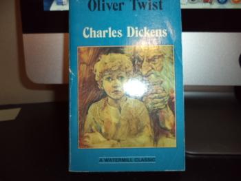 Oliver Twist  ISBN 0-83875-784-5