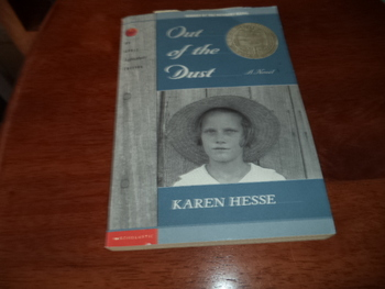 Out of the Dust   ISBN 0-590--37125-8