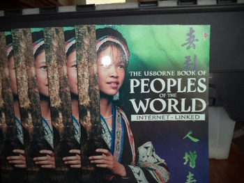 PEOPLE OF THE WORLD    ISBN 0-439-40127-5 (SET OF 5)