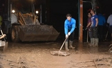 Rafa Nadal ayuda tras las inundaciones en Mallorca (#authres)