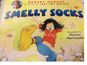 Reader's Theater Script:  Smelly Socks by Robert Munsch