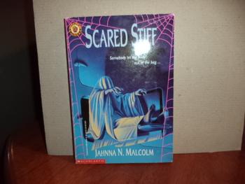 Scared Stiff   ISBN 0-590-44996-6