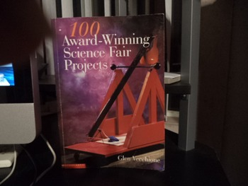 SCIENCE FAIR PROJECTS  ISBN 0-439-31841-6