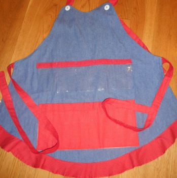 Show and Tell Apron (jean with tiny red tiny polka)