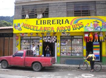 Spanish - ppt of photos of stores in Panajachel, Guatemala
