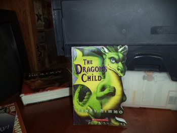 THE DRAGONS CHILD  ISBN 131  978-0-545-09474-0