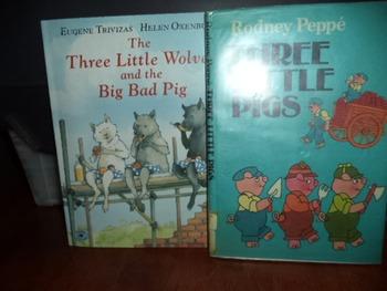 THREE LITTLE WOLVES  THREE LITTLE PIGS   (SET OF 2)