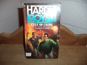 The Hardy Boys #3  ISBN 0-671-62128-9