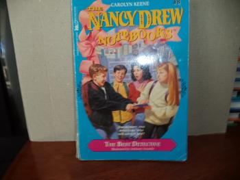 The Nancy Drew Notebooks ISBN 0-671-87952-9