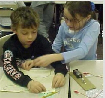 Free!  NGSS Lesson: Electric Answer Board (4th Grade)